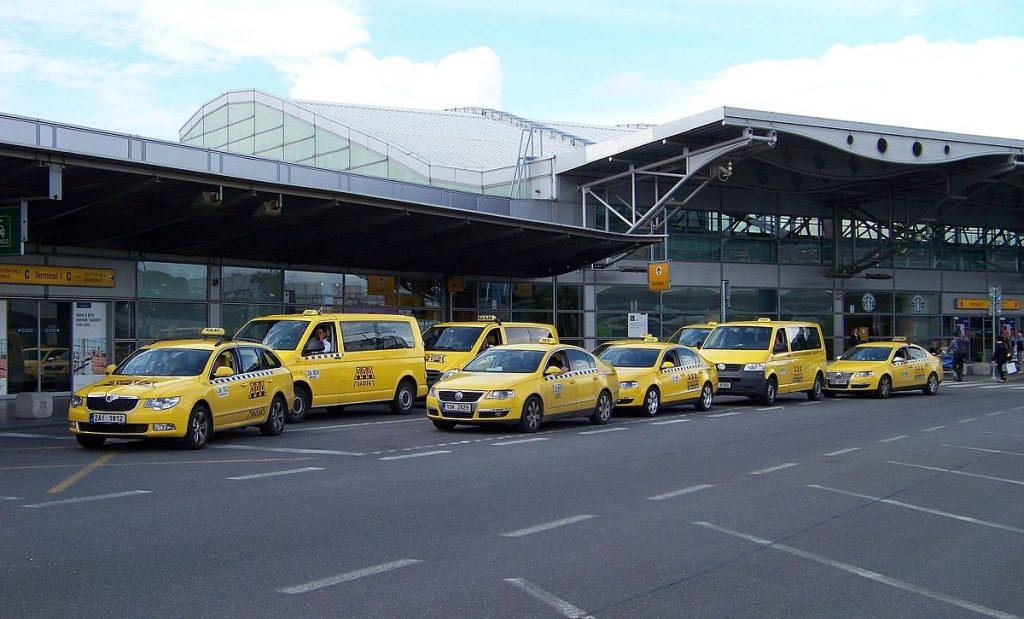 Как выбрать программу для такси и открыть компанию
