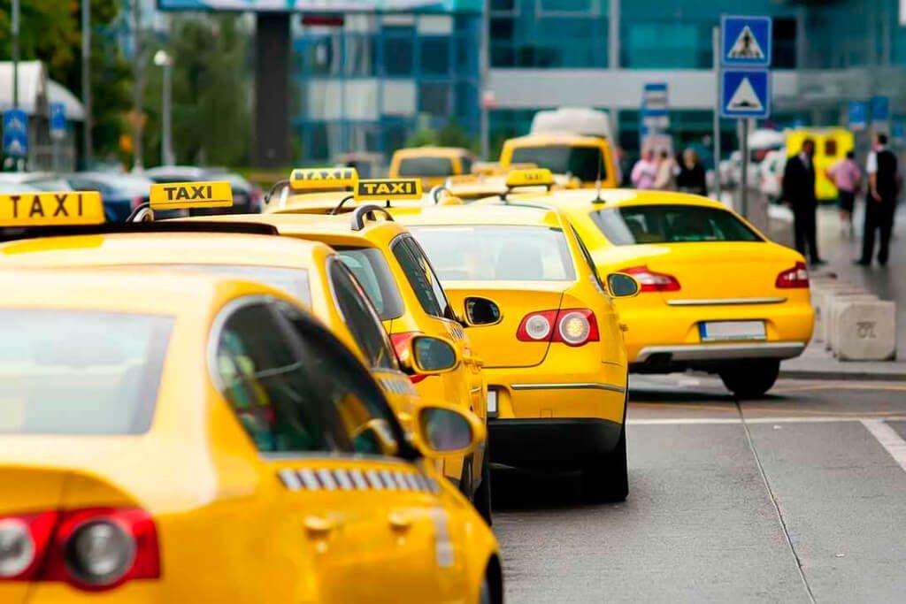 Программа для такси: реклама и возможности оповещения клиентов