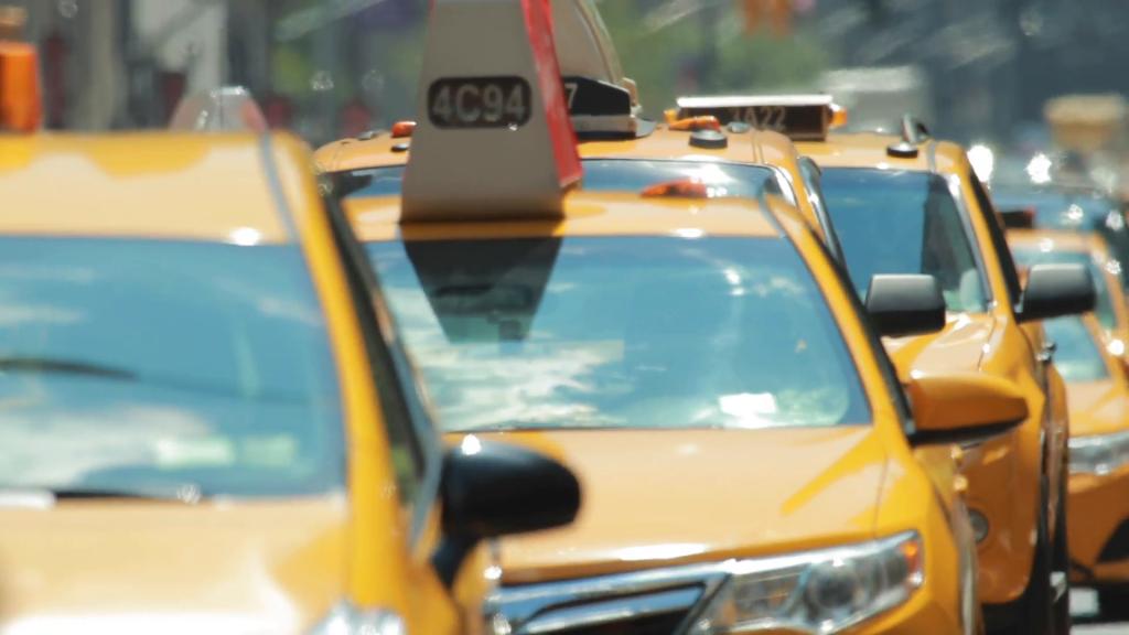 Улучшить работу службы такси